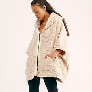NEW Free People Stay In Fleece Poncho Jacket XS/S